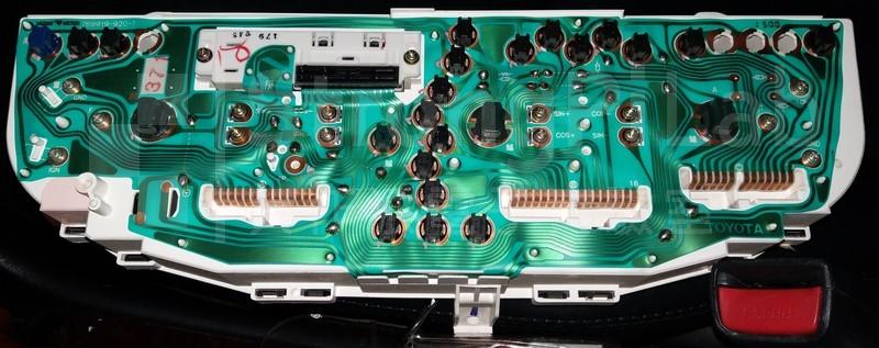 Toyota Premio的儀表板背板