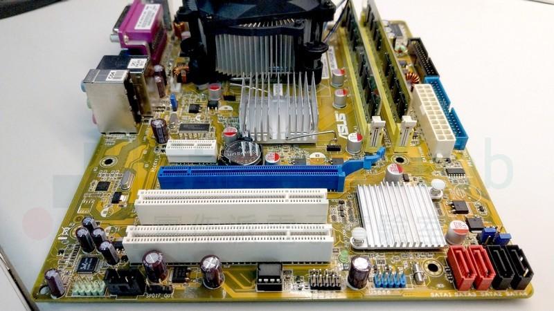 把10年前的主機板換上新的固態電容