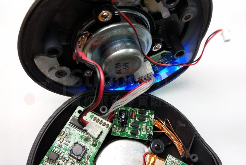 磁浮喇叭 燈亮,終於有電了